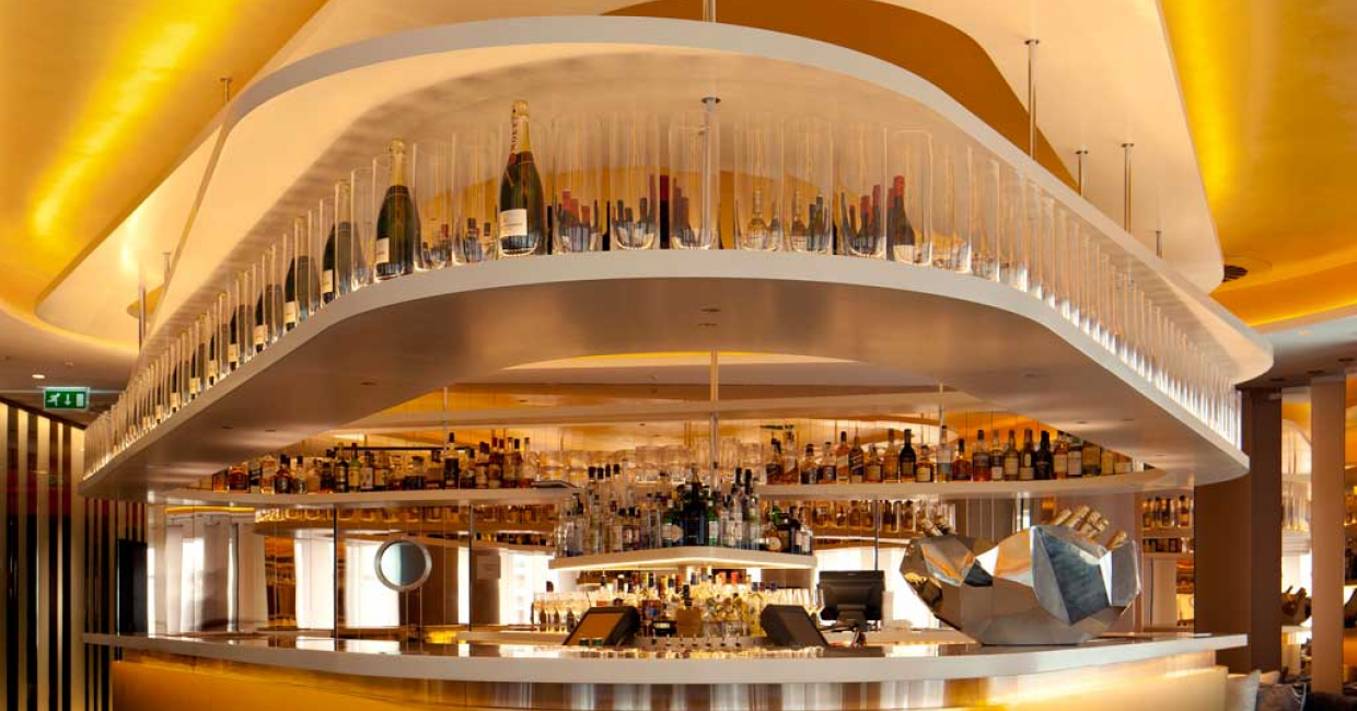 W Lounge bar at W London, Leicester Square. Image © Ewout Huibers for Concrete