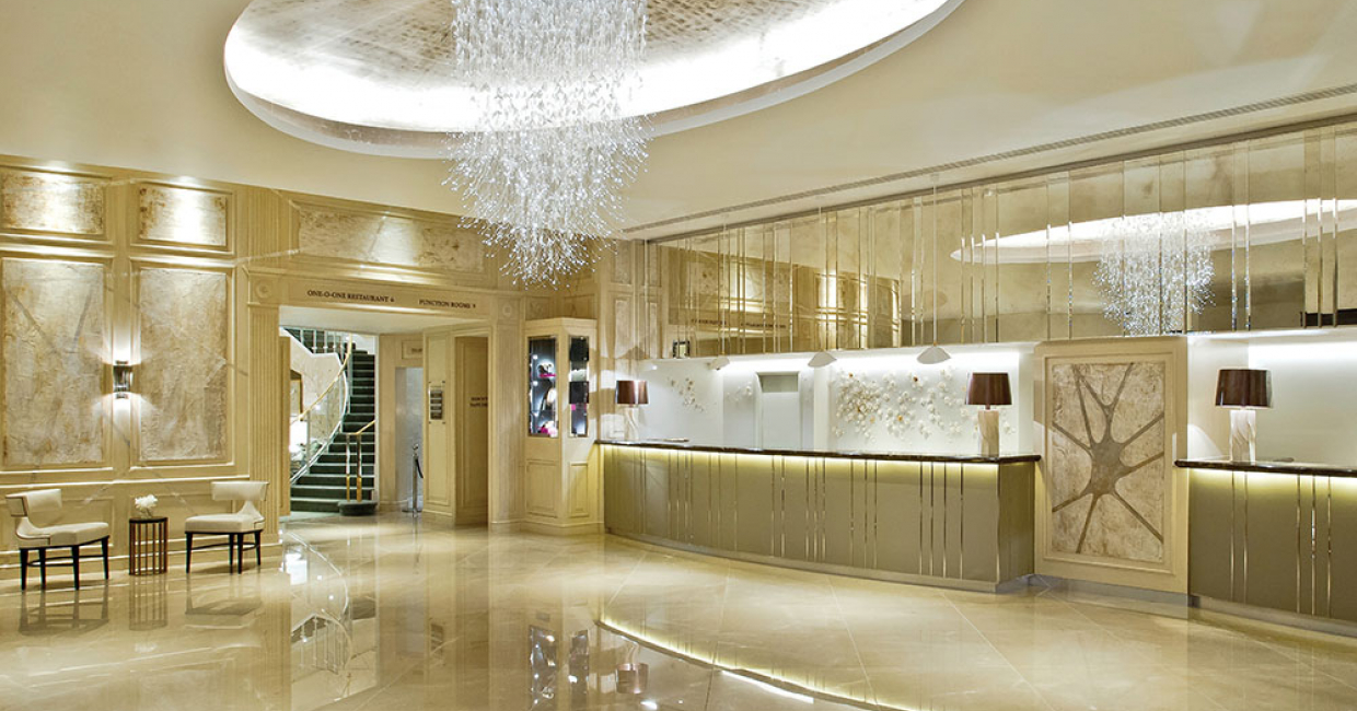 Laelia chandelier for Sheraton Park Towers, London