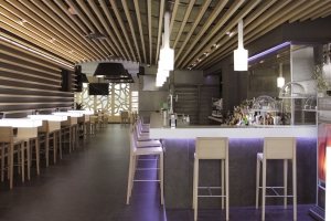 HI-MACS® Lights up the New Cervecería Islia Bar